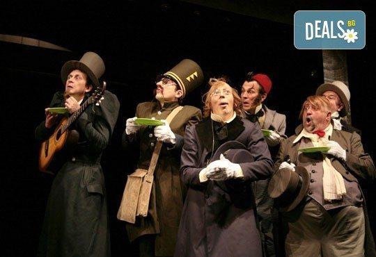 Гледайте Калин Врачански и Мария Сапунджиева в комедията Ревизор на 29.11. от 19 ч., в Театър ''София'', билет за един! - Снимка 8