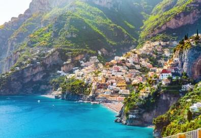 Романтична приказка в Южна Италия през 2020г.! 3 нощувки със закуски в хотел 3*, транспорт, водач, посещение на Алберобело, Матера и още! - Снимка