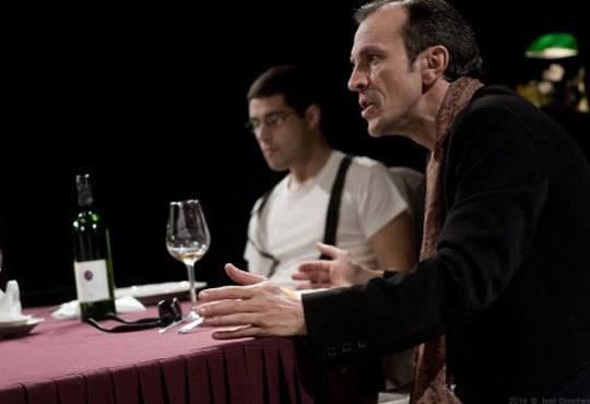 Гледайте черната комедия Покана за вечеря на 07.12. от 19ч., Камерна зала на Театър ''София'', билет за един - Снимка 5