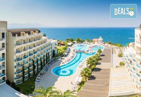 Ранни записвания за почивка през юни в Sea Light Hotel 5* в Кушадасъ - 7 нощувки на база All Inclusive, възможност за транспорт - Снимка 2