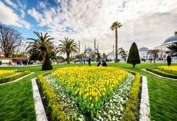 От Варна и Бургас! Фестивал на лалето 2020 в Истанбул: 2 нощувки със закуски в хотел 5*, транспорт, посещение на мол в Истанбул и програма в Лозенград - Снимка