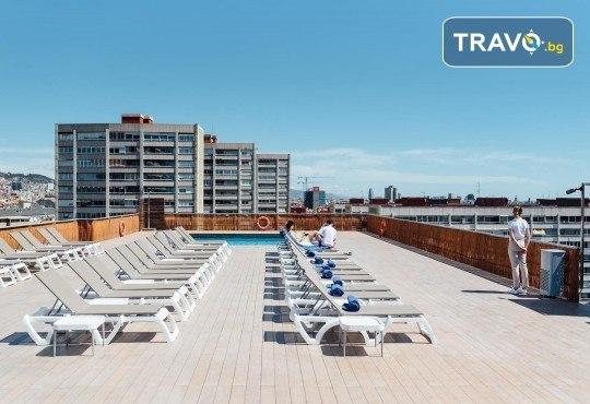 Нова година в Барселона с Trips2go! Самолетен билет, 3 нощувки със закуски в Expo Hotel Barcelona 4*, водач, по желание посещение на Ноу Камп, Монсерат и Фигерас - Снимка 7