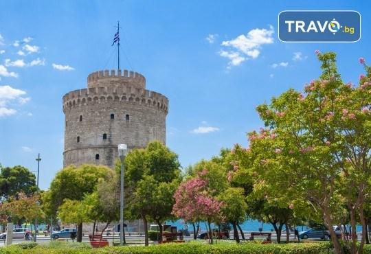 Коледна шопинг екскурзия до Солун! 1 нощувка със закуска в хотел 3*, транспорт, посещение на Mediterranean Cosmos Mаll - Снимка 4