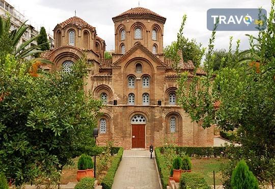 Коледна шопинг екскурзия до Солун! 1 нощувка със закуска в хотел 3*, транспорт, посещение на Mediterranean Cosmos Mаll - Снимка 7