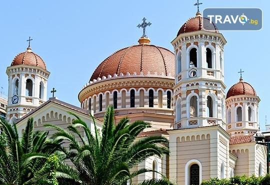 Коледна шопинг екскурзия до Солун! 1 нощувка със закуска в хотел 3*, транспорт, посещение на Mediterranean Cosmos Mаll - Снимка 8