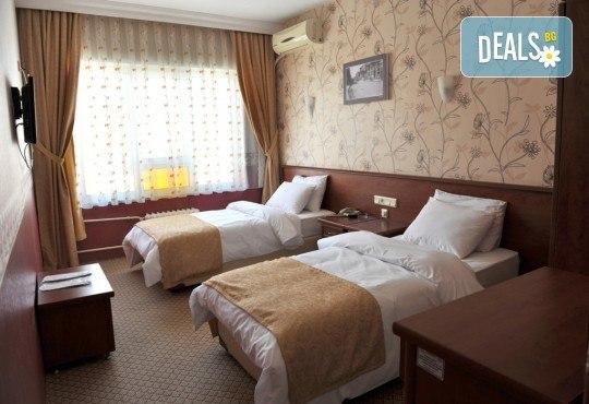 Уикенд екскурзия до Одрин през декември с Рикотур! 1 нощувка със закуска в Saray Hotel 2*, транспорт, богата програма и посещение на Синия пазар и Margi Outlet - Снимка 9