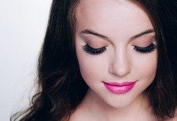 Красиви очи! Поставяне на мигли по метода косъм по косъм или обемна техника в NSB Beauty Center - Снимка