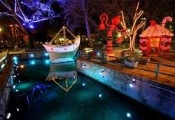Еднодневна екскурзия до Коледното градче Онируполи в Драма със Запрянов Травел: транспорт и водач - Снимка