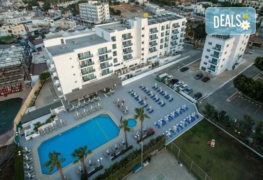 Нова година в Кипър, с полет от Варна, с ТА Солвекс! Самолетен билет, 4 нощувки със закуски в Kapetanios Hotel 3*, трансфери - Снимка 8