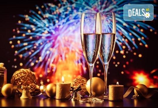 Нова година в Кипър от Варна: 4 нощувки и закуски в Kapetanios Hotel 3*, самолетен билет