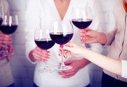 Предколеден купон в Сокобаня! 1 нощувка със закуска, обяд и празнична вечеря, дегустация на вина във винарна Малча, възможност за транспорт - Снимка