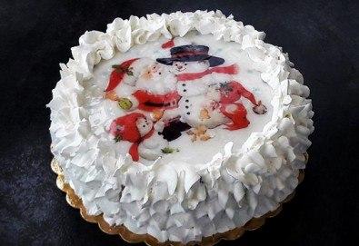 Коледно-новогодишна торта с 12 парчета с крем и какаови блатове + коледна снимка или снимка на клиента, от Сладкарница Джорджо Джани