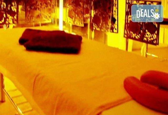 Безупречна визия! Изграждане на ноктопластика и маникюр с гел лак Bluesky в салон Лаура Стайл! - Снимка 4