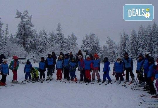 Зимно забавление! Ски или сноуборд уроци и екипировка за начинаещи на Витоша от Ски училище Делюси! - Снимка 6