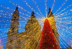 Преди Коледа в Будапеща! 2 нощувки със закуски в хотел 3*, транспорт и панорамна обиколка с екскурзовод на български - Снимка