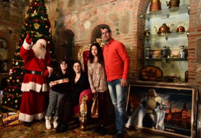 Разходка в замъка в Равадиново за до 4-членно семейство и връчване на подаръци от Дядо Коледа! - Снимка