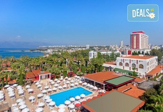 Бляскава Нова година в Анталия, Турция! Самолетен билет, 4 нощувки All Inclusive в Club Hotel Sera 5*, багаж, летищни такси, трансфери - Снимка 9