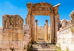 Екзотика през февруари или март в Йордания! 4 нощувки със закуски в хотел 3*/4*, самолетни билети, трансфери и входна виза - Снимка