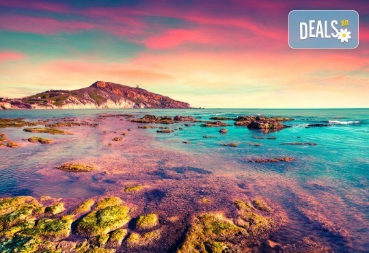 Самолетна екскурзия до Сицилия през пролетта! 4 нощувки, закуски и вечери, самолетни билети, летищни такси, водач и възможност за тур до Етна и Палермо! - Снимка 1