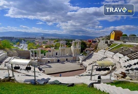 За 1 ден на Коледен фестивал Капана, Пловдив, на 21.12. или 22.12. с туроператор Поход! Транспорт, водач и разходка в Стария град - Снимка 7
