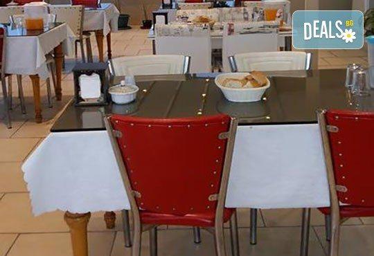 Посрещнете Нова година в Истанбул с Дениз Травел! 2 нощувки със закуски в хотел Dunay 3*, транспорт, посещение на Одрин, възможност за Новогодивна вечеря по избор - Снимка 7