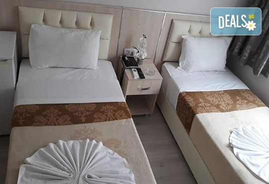 Посрещнете Нова година в Истанбул с Дениз Травел! 2 нощувки със закуски в хотел Dunay 3*, транспорт, посещение на Одрин, възможност за Новогодивна вечеря по избор - Снимка 8