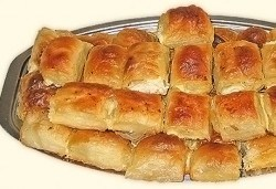 За празници! Един или два килограма домашна баница със сирене на хапки от Работилница за вкусотии РАВИ - Снимка