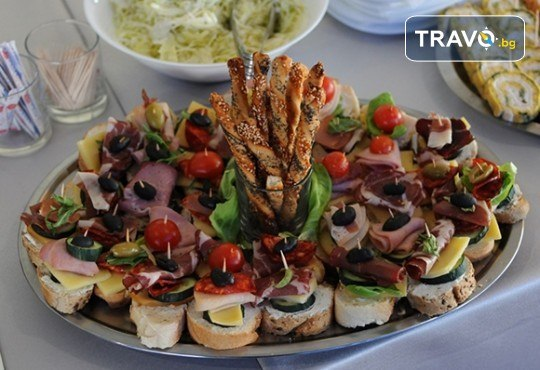 Нова година в сръбски стил! 1 нощувка със закуска и празнична вечеря в Hotel Bavka в Лесковац, възможност за транспорт - Снимка 7
