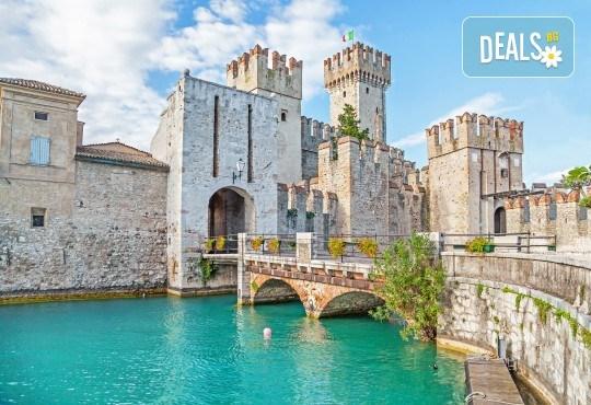 Екскурзия до Верона и Венеция през пролетта! 3 нощувки и закуски, транспорт, посещение на Сирмионе и езерото Гарда! - Снимка 4