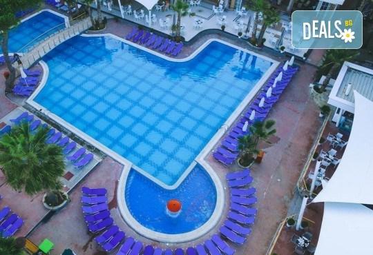 Посрещнете Нова година 2020 в хотел Fafa Premium Resort 4*, Албания, с АБВ Травелс! 3 нощувки, 3 закуски и 2 вечери, транспорт и програма в Дуръс, Скопие и Охрид! - Снимка 5