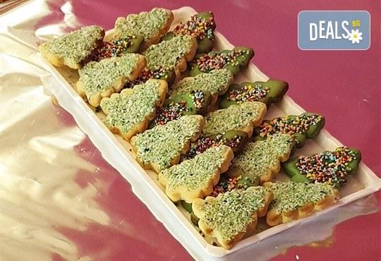 За Коледа! 25 броя коледни декорирани елхи от Сладкарница Джорджо Джани! - Снимка 4