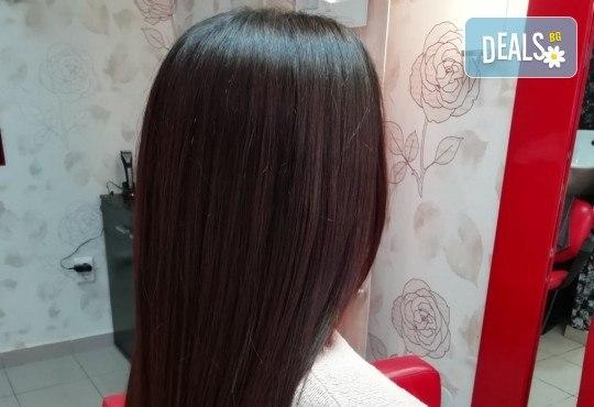 Измиване с професионални продукти Milk Shake, маска според типа коса и прав сешоар + маникюр с гел лак Kodi Profesional в салон за красота Golden Angel - Снимка 13