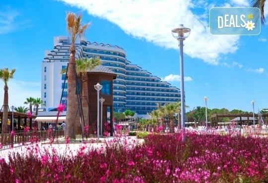 Нова година в Дидим в луксозния Venosa Beach Resort & Spa 5* с Джуанна Травел! 4 нощувки Ultra All Inclusive, Новогодишна гала вечеря, възможност за транспорт - Снимка 7