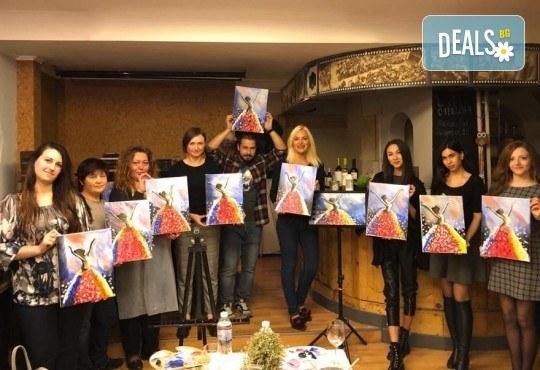 3 часа рисуване на тема Целувката на Густав Климт с напътствията на професионален художник + чаша вино, минерална вода и мини сандвичи в Арт ателие Багри и вино! - Снимка 5