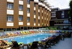 Лукс уикенд в Кумбургаз! 2 нощувки със закуски в Grand Gold Hotel 4* и ползване на открит басейн, чадър и шезлонг на плажа! - Снимка