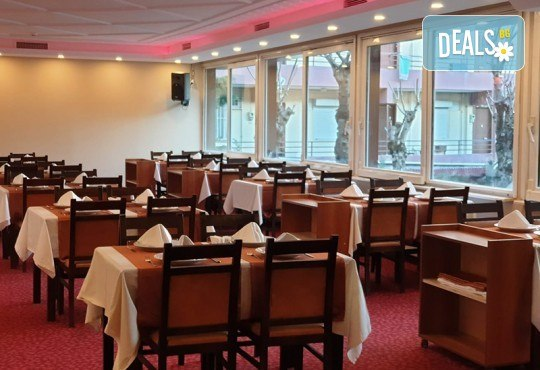Лукс уикенд в Кумбургаз! 2 нощувки със закуски в Grand Gold Hotel 4* и ползване на открит басейн, чадър и шезлонг на плажа! - Снимка 4