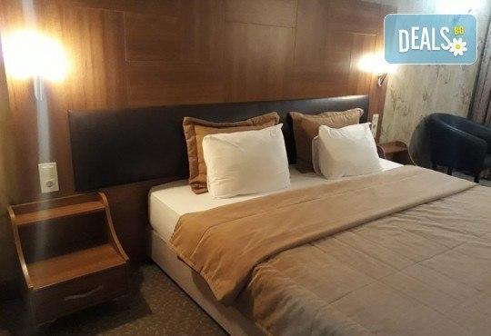 Лукс уикенд в Кумбургаз! 2 нощувки със закуски в Grand Gold Hotel 4* и ползване на открит басейн, чадър и шезлонг на плажа! - Снимка 6
