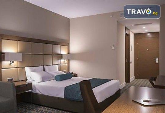 Специална оферта 3=4 за Нова година в Истанбул с Караджъ Турс! Mercure Istanbul West Hotel & Convention Center 5*: 3 нощувки със закуски, Новогодишна гала вечеря с програма - Снимка 3
