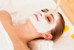 Мануално почистване на лице, маска според типа кожа, козметичен масаж, дарсонвал и нанасяне на крем в Senses Massage & Recreation! - Снимка