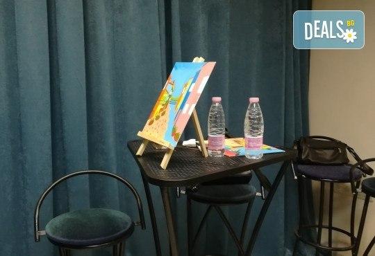 """""""Зимни фенери""""! 3 часа рисуване с вино на 15-ти декемви (неделя) - рисуване на картина с акварел + чаша вино под инструкциите на професионален художник в Пух арт студио - Снимка 10"""