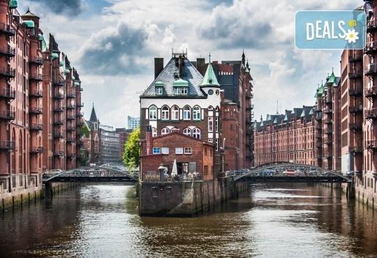 Самолетна екскурзия до Хамбург на дата по избор, с Голдън Холидейз БГ! Самолетен билет, 3 нощувки със закуски в хотел 3*, застраховка, индивидулно пътуване - Снимка 1