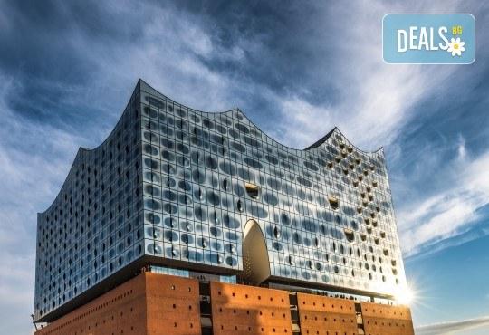 Самолетна екскурзия до Хамбург на дата по избор, с Голдън Холидейз БГ! Самолетен билет, 3 нощувки със закуски в хотел 3*, застраховка, индивидулно пътуване - Снимка 2