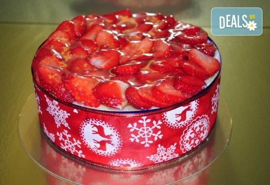 Баварска шоколадова торта с ягоди - 1кг ики 2кг. от сладкарница Лагуна! - Снимка 4