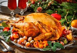 Празнична печена цяла пуйка, приготвена по традиционна рецепта - около 4.5 кг., от кулинарна работилница Деличи! - Снимка