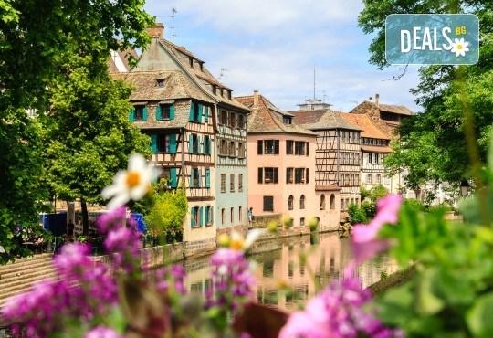 Екскурзия до Париж през Швейцария: 7 нощувки със закуски, транспорт и водач
