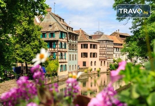 Екскурзия до Париж през Швейцария с България Травел! 7 нощувки със закуски, транспорт и Прага, Париж, Страсбург, Женева, Монтрьо, Милано - Снимка 1