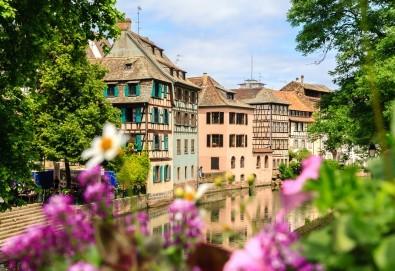 Екскурзия до Париж през Швейцария с България Травел! 7 нощувки със закуски, транспорт и Прага, Париж, Страсбург, Женева, Монтрьо, Милано - Снимка