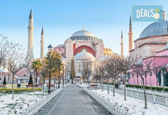 Зимна приказка в Истанбул и Одрин със Запрянов Травел! 2 нощувки със закуски, транспорт, водач и посещение на търговски комплекс - Снимка 1