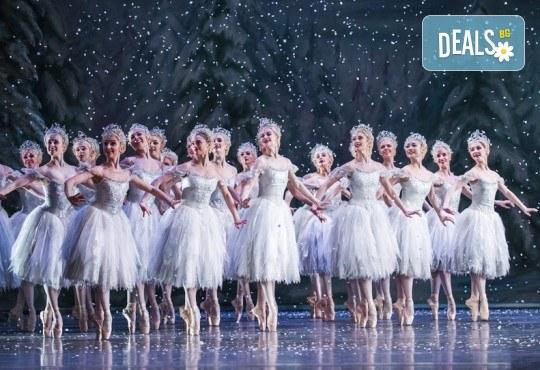 Ексклузивно в Кино Арена! Любимия на всички балет от Чайковски Лешникотрошачката, спектакъл на Кралската опера в Лондон, на 4.01. и 5.01. в кината в София и страната - Снимка 5