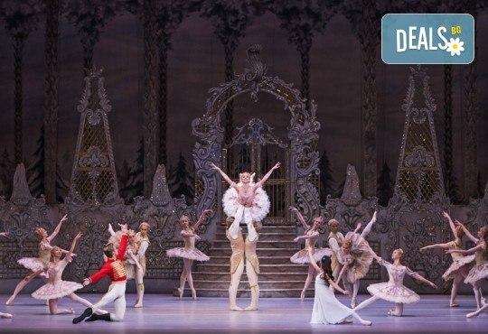 Ексклузивно в Кино Арена! Любимия на всички балет от Чайковски Лешникотрошачката, спектакъл на Кралската опера в Лондон, на 4.01. и 5.01. в кината в София и страната - Снимка 6